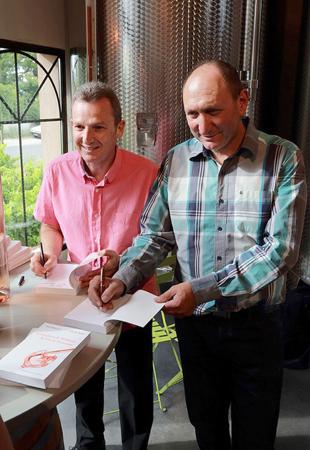 Olivier R+®al et Alain Baccino en d+®dicace