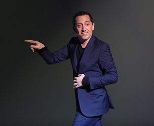 """Exclusif - Premier jour du spectacle de Gad Elmaleh """"Sans tambour…"""" au theatre Marigny le 28 mai 2013"""