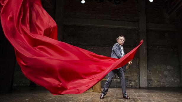 LE BAC 68, Histoire comique et fantastique, écrite, mise en scène et jouée par Philippe Caubère au theatre des Carmes dans le cadre du festival d'Avignon OFF 2015