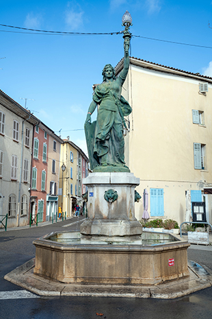 PHOTO FONTAINE MARIANNE 1